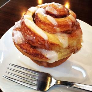 シナモンロール Cinnamon roll
