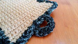 麻ひもと裂き布のポットマット